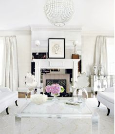 White and chic living room via The High Heeled Hostess. #laylagrayce #living