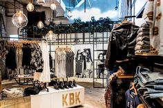 http://retaildesignblog.net/2015/11/02/karibik-store-by-plasma-nodo-kbk-medellin-colombia/