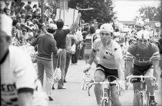 Tour de France 1979. Bernard Hinault au ravitaillement à Bain-de-Bretagne, lors de l'étape Angers - Saint-Brieuc.