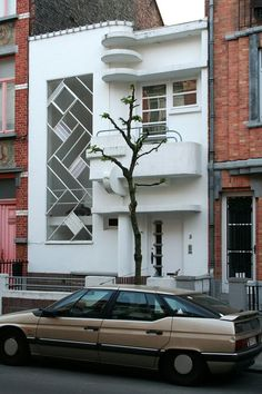 Brussels Modernist town house, by Louis Tenaerts 1933