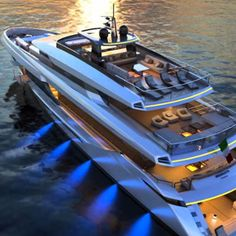 Known for its open maxis, the Mangusta brand of Overmarine Group has a new line of steel-hulled megayachts. The first model is the Mangusta Oceano At Sport Yacht, Yacht Boat, The Gentlemans Journal, Boat Fashion, Yacht Design, Aircraft Design, Super Yachts, Motor Yacht, Speed Boats