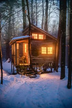 Sharing my obsessive love of rustic cabin life through photos and art I have collected. Please feel free to share - most of the photos. Tiny House Cabin, Tiny House Design, Cabin Homes, Log Homes, Winter Cabin, Cozy Cabin, Cozy Winter, Stone Cabin, Cabin In The Woods