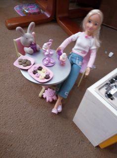 Barnsley, Barbie, Cake, Girls, Home Decor, Toddler Girls, Decoration Home, Daughters, Room Decor