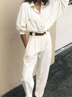Frauenkleidung – Hemden und Hosen-Outfit-Ideen: Na Nin Vintage weißes Hemd und weiße … – Uber Frauen Women's Clothes – Shirts and Pants Outfit Ideas: Na Nin Vintage White Shirt and White …, # Fashion Casual, White Fashion, Look Fashion, Casual Outfits, Cute Outfits, Fashion Outfits, Womens Fashion, Fashion Shirts, Trendy Fashion