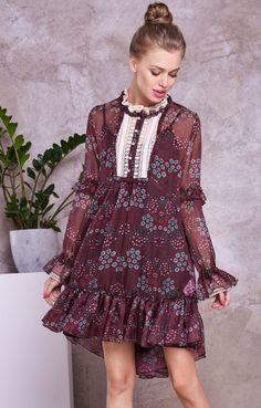 4213a1671c6 Асимметричное платье-трапеция с оборками и кружевными манжетами TOP20  Studio   2000001053713-2 Одежда