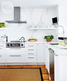 A muted colour palette lends this kitchen a soothing look. {PHOTO: Donna Griffith}
