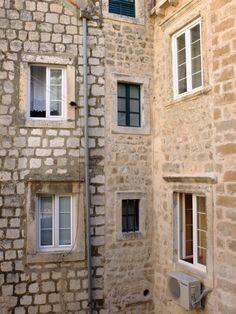 Widows // Dubrovnik, Croatia