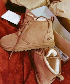 botas                                                                                                                                                                                 Más Baskets, Ugg Neumel, Cheap Uggs, Ugg Boots Cheap, Boots Sale, Fashion Fashion, London Fashion, Fashion Clothes, Cheap Fashion