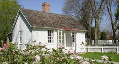 White Cottage | Things We Love: Cozy Cottages