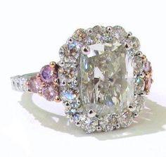 JWOW's engaement Ring... Soo Pretty <3