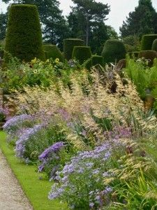 Packwood House © Suzanne Albinson - visited UK gardens an gives us comments