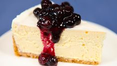 CopyCat Recipe for The Cheesecake Factory Original Cheesecake. The Cheesecake Factory has more than 30 cheesecake flavors, but it's the original that makes us swoon. Try this copycat version, from the book Top Secret Restaurant Recipes The Cheesecake Factory, Cheesecake Factory Original Recipe, 9 Inch Cheesecake Recipe, Homemade Cheesecake, Food Cakes, Cupcake Cakes, Cupcakes, Baking Recipes, Cake Recipes