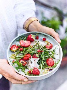 Vinaigrette, Acai Bowl, Breakfast, Food, Red Berries, Honey, Kochen, Food Recipes, Acai Berry Bowl
