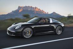 Con o sin el techo descapotable, con 911 Targa tú eliges el estilo perfecto para ti.
