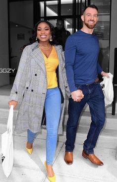 Interracial Celebrity Couples, Biracial Couples, Interracial Love, Interracial Wedding, Mixed Couples, Couples In Love, Cute Relationship Goals, Cute Relationships, Cute White Boys