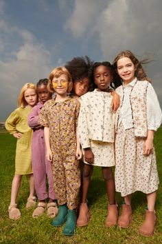 #zarakids #kidstreetstyle #coolkidsclothes #littlegirloutfits #fw21 #littlefashionistascloset #fashionfromspain #littlefashionistascloset #kidsootd #childrenswear #tendenciasmoda #modainfantil #otoñoinvierno21 #modaniña #modaespañola #zara Little Girl Outfits, Little Girls, Kids Girls, Zara Kids, Kids Fashion, Couple Photos, Couples, New Girl, Editorial