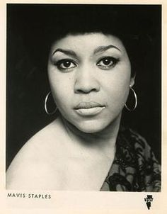 Since Mavis Staples has travelled deep into Texas hill country to perform at Willie Nelson's ranch for his annual Luck Reunion festival, it seems only fair to warn her that the outlaw country singer The Staple Singers, 1970s Aesthetic, Mavis Staples, The Decemberists, Grace Potter, Joss Stone, Outlaw Country, Legendary Singers, Luther Vandross
