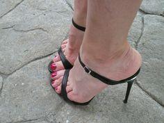 Open Toe High Heels, Black High Heels, High Heels Stilettos, Strappy Heels, Pumps, Stiletto Heels, Gents Shoes, Beautiful High Heels, Sexy Sandals