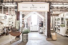 A New Space for Love Grows Wild Market - Love Grows Wild I came across this photo of a garden struct Antique Booth Displays, Antique Booth Ideas, Vintage Ideas, Merchandising Displays, Store Displays, Retail Displays, Window Displays, Jewelry Displays, Staging Furniture