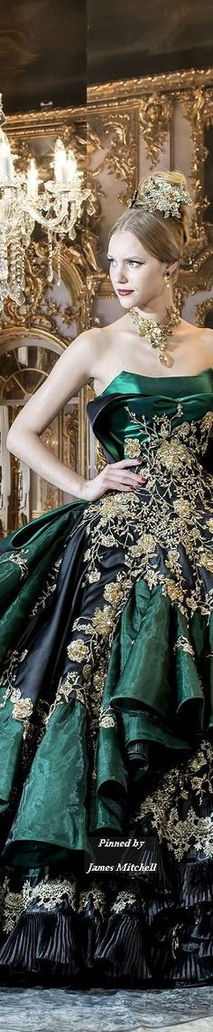 I don't like the hairdew, but the dress is cute. I wonder if it's hard to move in. It looks like Loki
