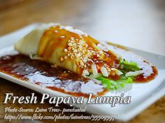 This fresh lumpia or lumpiang sariwa recipe is one of the favorite among Filipino dishes and there are variations of fresh lumpia. #PapayaLumpia Filipino Dishes, Filipino Recipes, Asian Recipes, Ethnic Recipes, Vegetable Recipes, Chicken Recipes, Chicken Paella, Blog Food, Paella Recipe