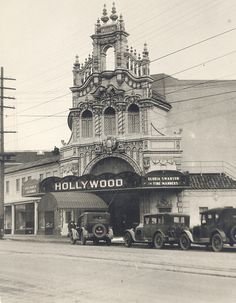 Oregon Usa, Portland Oregon, Hollywood Theater, Famous Buildings, City Of Angels, Oregon Travel, Places Of Interest, Old Movies, Historic Homes