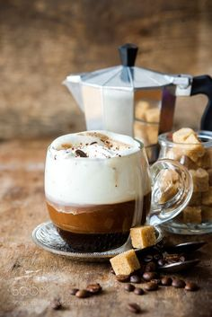 The Most Satisfying Cappuccino Latte Art - Coffee Brilliant Coffee Latte Art, Coffee Cafe, Coffee Drinks, My Coffee, Cappuccino Coffee, Coffee Break, Morning Coffee, Café Chocolate, Pause Café