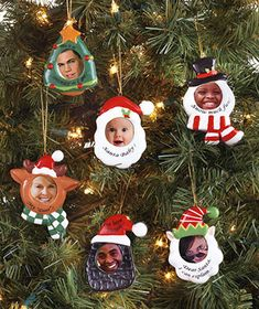 Put baby& face (as st nick) in the handprint Santa ornament? Christmas Gifts For Parents, Christmas Crafts For Kids To Make, Christmas Activities For Kids, Diy Gifts For Kids, Preschool Christmas, Holiday Crafts, Cardboard Christmas Tree, Kids Christmas Ornaments, Christmas Photos