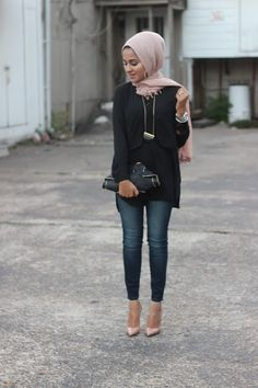 Dark denim, black tunic and rose hijab with golden necklace - check out: Esma <3