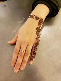 Henna Design By Fatima Dulhan Mehndi Designs, Mehandi Designs, Henna Tattoo Designs Simple, Latest Arabic Mehndi Designs, Finger Henna Designs, Henna Art Designs, Mehndi Designs For Girls, Mehndi Designs For Beginners, Modern Mehndi Designs