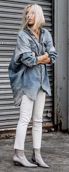 awesome outfit idea : oversized denim shirt + white skinnies + boots