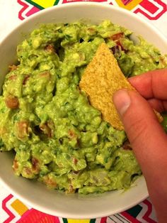 Ever Guacamole Easy Guacamole Recipe – Best Ever Authentic Mexican Restaurant-Style! – Melanie CooksEasy Guacamole Recipe – Best Ever Authentic Mexican Restaurant-Style! Avocado Guacamole, Guacamole Recipe Easy, How To Make Guacamole, Chevys Recipe, Homemade Guacamole Easy, Authentic Guacamole Recipe, Ripe Avocado, Authentic Mexican Recipes, Cocktails