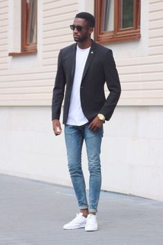 Summer minimal outfit inspiration Black slim cut blazer white t shirt skinny light wash denim no show socks white stan smith sneakers sunglasses