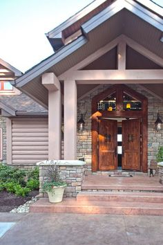 Gorgeous front doors!   http://mainstreamhi.com