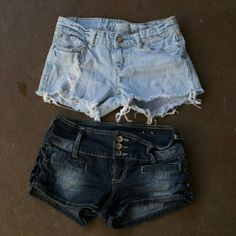 Shorts bundle Sizes 2 and 5, but the 5's are more like a 2 as well. Cute for summer, very short! Shorts Jean Shorts