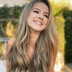 Foto E Video, Photo And Video, Long Hair Styles, Instagram, Beauty, 1, Retro, Photos, Famous Women