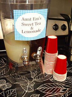 the Mathews Family Happenings: Wizard of Oz party- putting it all . could make this with sweet tea vodka for adults. Music Themed Parties, Music Party, Wizard Of Oz Decor, 4th Birthday Parties, Birthday Ideas, 3rd Birthday, Princess Birthday, Fruit Party, The Wiz