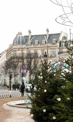 Christmas in Paris https://www.facebook.com/ouiliviamoraes https://www.liviamoraes.com.br