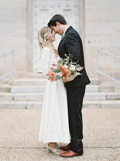 Simple Courthouse Elopement with gorgeous natural details.