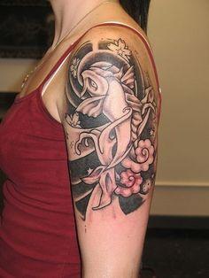 Tatuaggio giapponese in bianco e nero