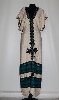 Rochie din tapiserie model etnic anii '70 Noutati pe Vintage Wardrobe http://www.vintagewardrobe.ro/cumpara/rochie-din-tapiserie-model-etnic-anii-70-7497166 #vintage #vintagewardrobe #vintageautentic #vintagedresses #1970s