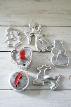 vintage cookie tins | Vintage Christmas Tin Cookie Cutters - Angel - Snowman - Reindeer ...
