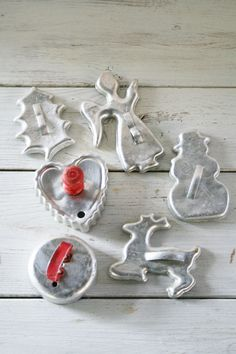 vintage cookie tins | Vintage Christmas Tin Cookie Cutters - Angel - Snowman - Reindeer ...