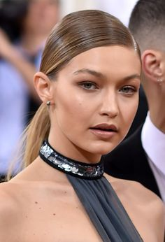 Gigi Hadid attends the 'Manus x Machina: Fashion In An Age Of Technology' Costume Institute Gala at Metropolitan Museum of Art on May 2, 2016 in New York City