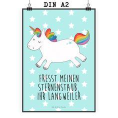 Poster DIN A2 Einhorn Happy aus Papier 160 Gramm  weiß - Das Original von Mr. & Mrs. Panda.  Jedes wunderschöne Poster aus dem Hause Mr. & Mrs. Panda ist mit Liebe handgezeichnet und entworfen. Wir liefern es sicher und schnell im Format DIN A2 zu dir nach Hause.    Über unser Motiv Einhorn Happy  Das süße Einhorn mit Regenbogen-Mähne ist das perfekte Geschenk für alle, die glücklich werden und glücklich bleiben wollen. So ansteckend wir die Fröhlichkeit des Happy-Einhorns ist auch die…