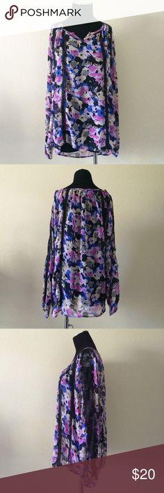 1x purple lace trim top plus size floral Gorgeous , lace trim , semi sheer , flow long sleeve. Even prettier in person !! Size 1x colleen lopez Tops Blouses