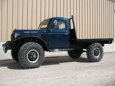 1946 WDX Dodge Power Wagon Maintenance/restoration of old/vintage vehicles: the material for new cogs/casters/gears/pads could be cast polyamide which I (Cast polyamide) can produce. My contact: tatjana.alic@windowslive.com