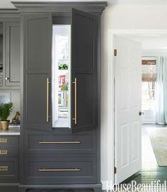 A gorgeous white kitchen!
