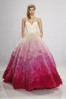 "<a href=""https://www.kleinfeldbridal.com/search-wedding-dresses-by-Christian-Siriano.cfm"">Christian Siriano for Kleinfeld</a>"