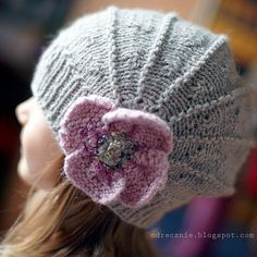 The Poppy hat. Free pattern for babies and kids.